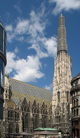 Der Stephansdom in Wien - The very traditional Saint Stephens Cathedral in Vienna